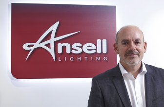 Mark Abbott, director general de Ansell Lighting, detalla los planes de expansión en España de la firma.